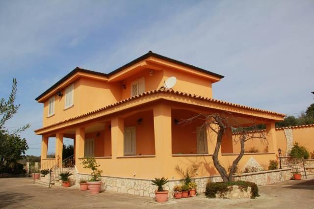 Villa-Villetta Villa in Vendita a Favara