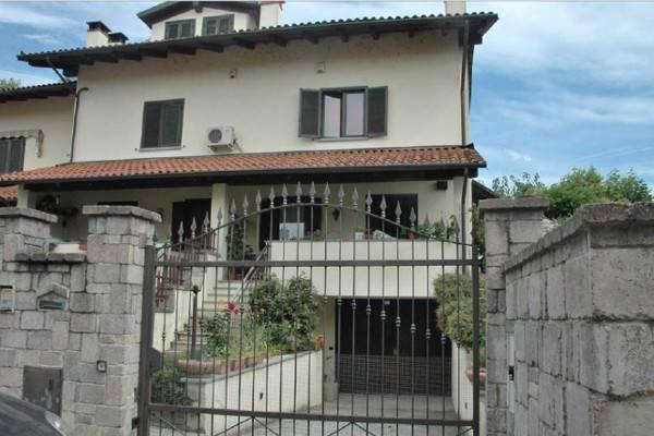 Villa a Schiera in Vendita a Riva Presso Chieri