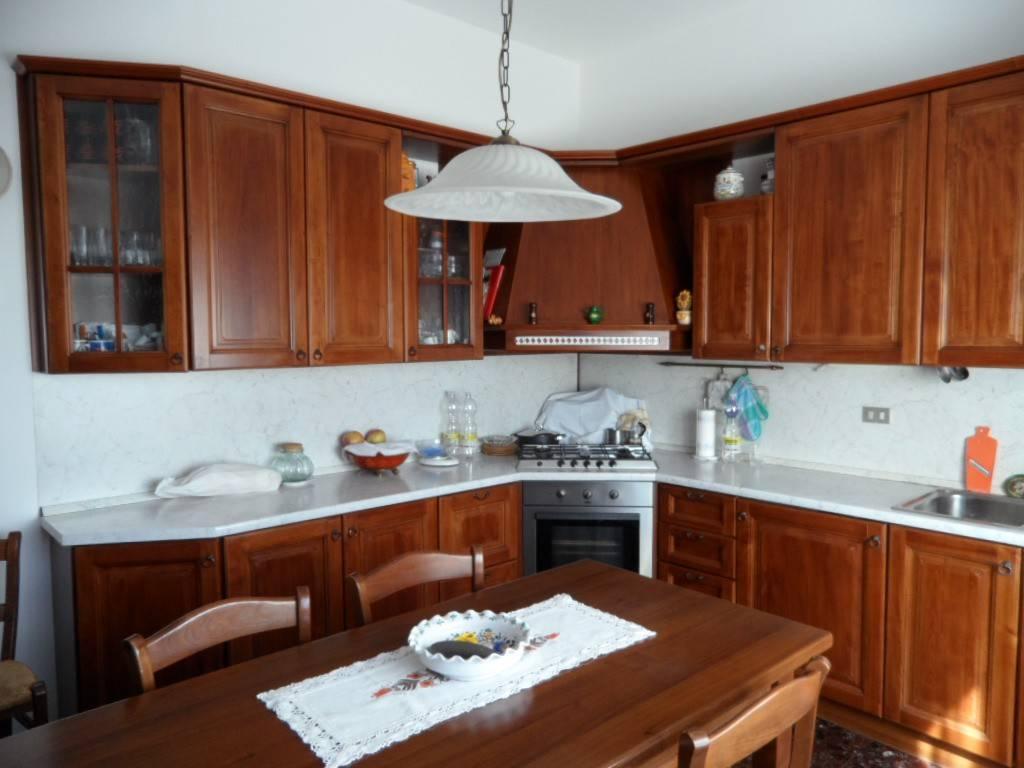 Villa in buone condizioni in vendita Rif. 5924695