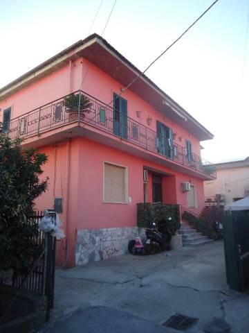 Appartamento in buone condizioni in vendita Rif. 4965184