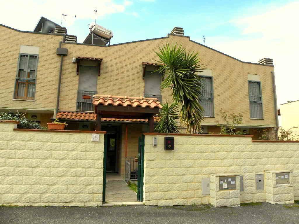 Villa a Schiera in vendita a Roma, 5 locali, zona Zona: 36 . Finocchio, Torre Gaia, Tor Vergata, Borghesiana, prezzo € 369.000 | CambioCasa.it