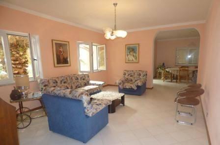 Villa 6 locali in vendita a Cuglieri (OR)