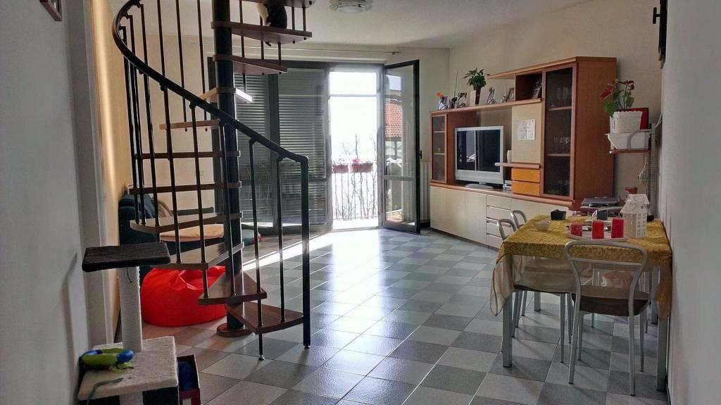 Appartamento in buone condizioni in vendita Rif. 4954793