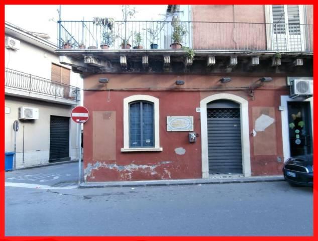 Negozio / Locale in affitto a Aci Castello, 1 locali, prezzo € 420 | Cambio Casa.it