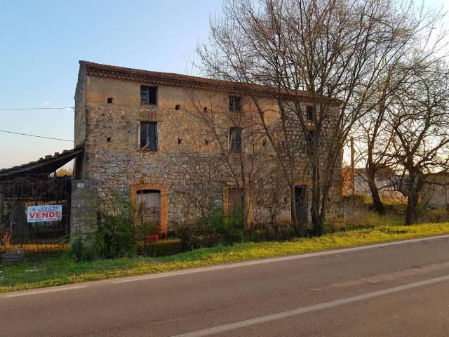 Rustico / Casale da ristrutturare in vendita Rif. 4998308