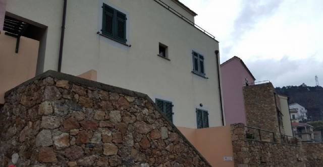Appartamento in vendita a Orco Feglino, 2 locali, prezzo € 160.000 | Cambio Casa.it