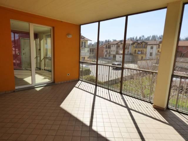 Borgo San Dalmazzo, appartamento pari nuovo con terrazzo