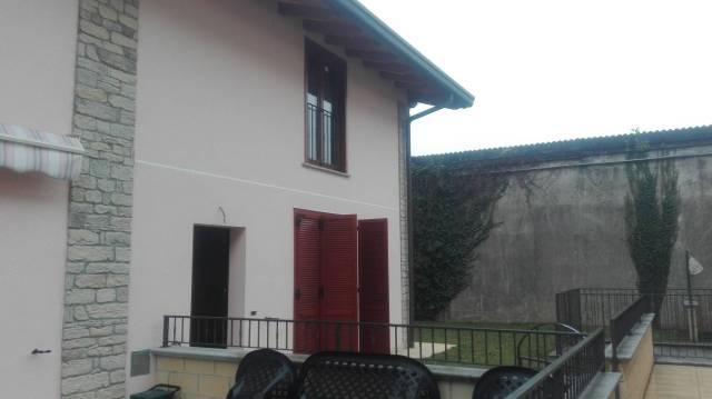Villa a Schiera in Vendita a Fagnano Olona