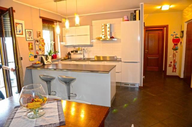 Appartamento in ottime condizioni in vendita Rif. 6538118