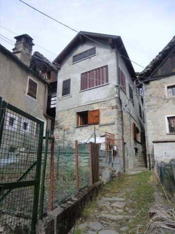 Appartamento in buone condizioni arredato in vendita Rif. 4363991