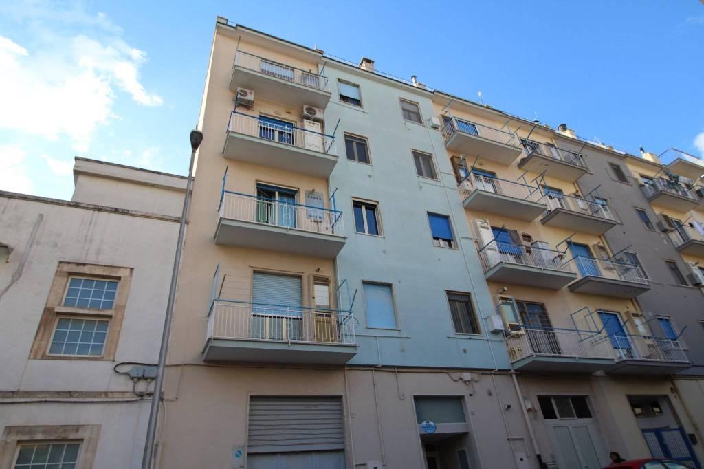 Appartamento in buone condizioni in vendita Rif. 7200911