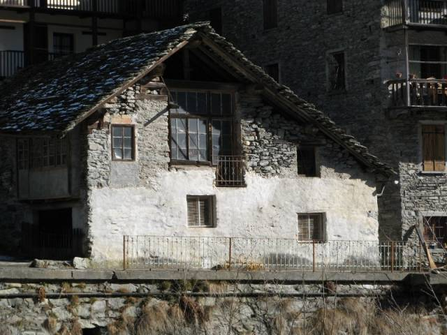 Rustico / Casale da ristrutturare in vendita Rif. 4265293