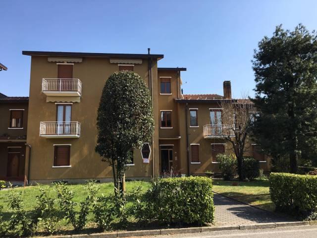 Appartamento in vendita a Barzanò, 2 locali, prezzo € 65.000 | CambioCasa.it