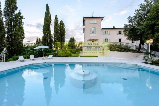 Villa in ottime condizioni arredato in vendita Rif. 4856579