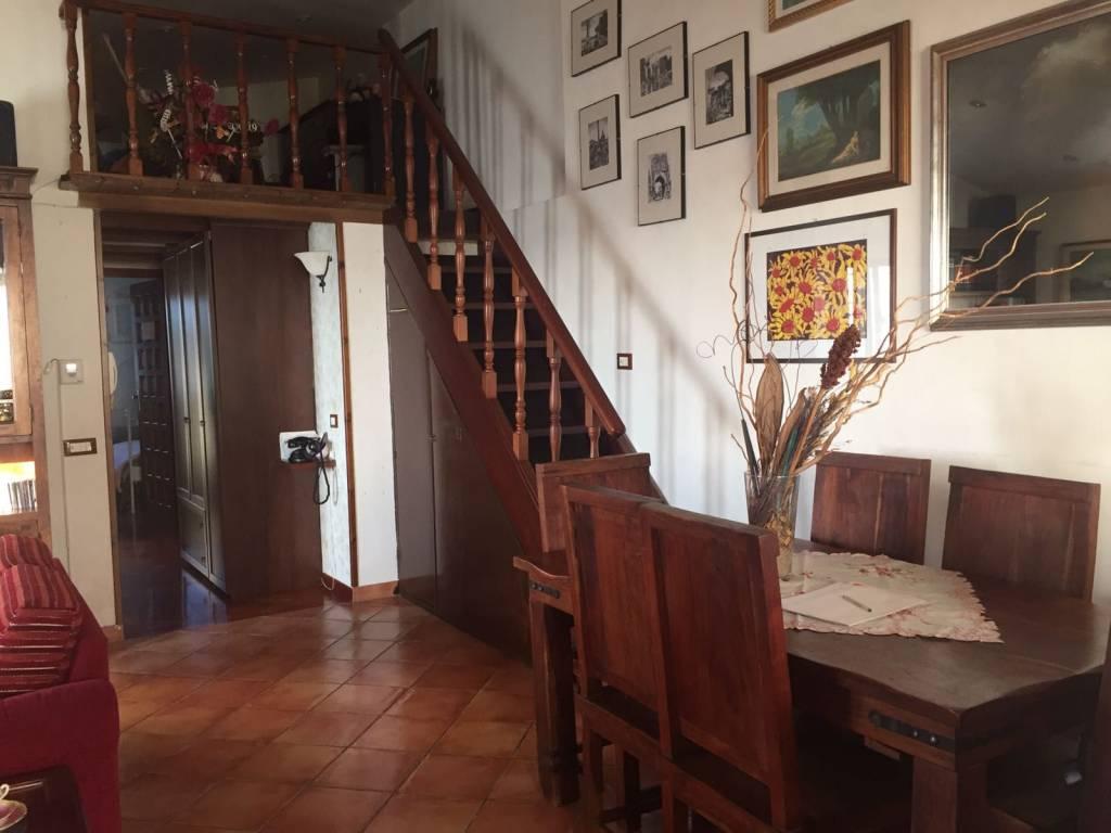 Appartamento in ottime condizioni in vendita Rif. 8063510