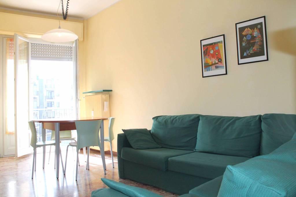 Appartamento in buone condizioni arredato in affitto Rif. 8244377