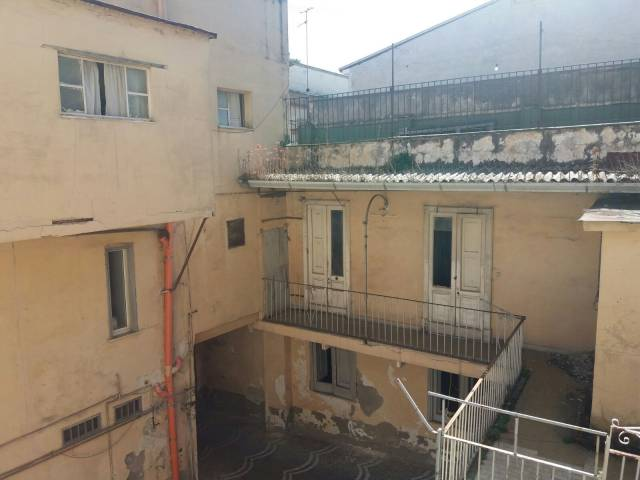 Palazzo / Stabile in vendita a Afragola, 6 locali, prezzo € 360.000 | Cambio Casa.it