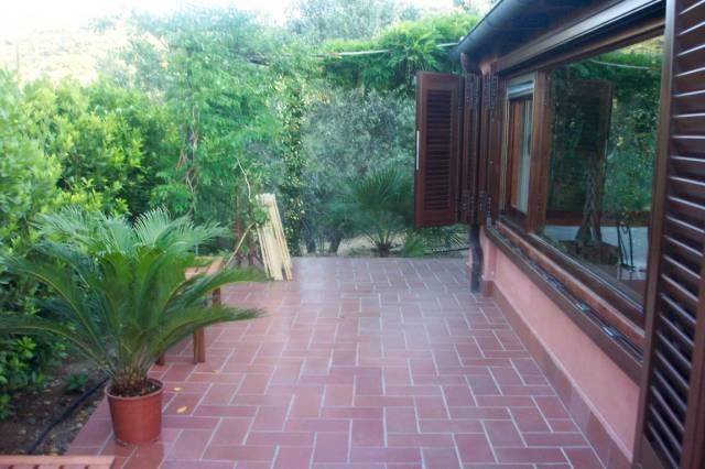 Rustico / Casale in ottime condizioni parzialmente arredato in vendita Rif. 6725001
