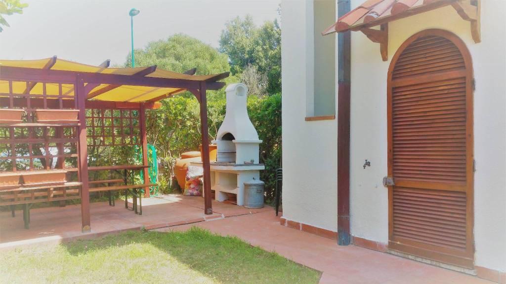 Appartamento in buone condizioni arredato in affitto Rif. 7362824