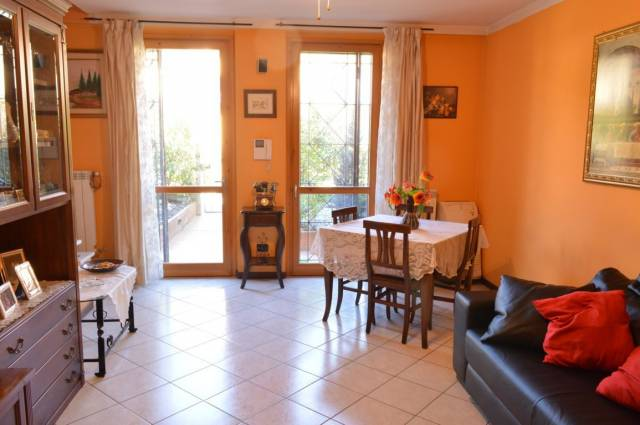 Villa a Schiera in Vendita a Roncello