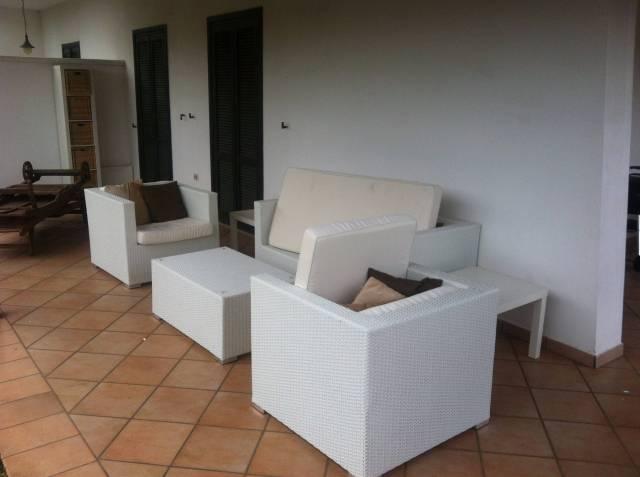 Villetta a schiera in buone condizioni arredato in affitto Rif. 4454692