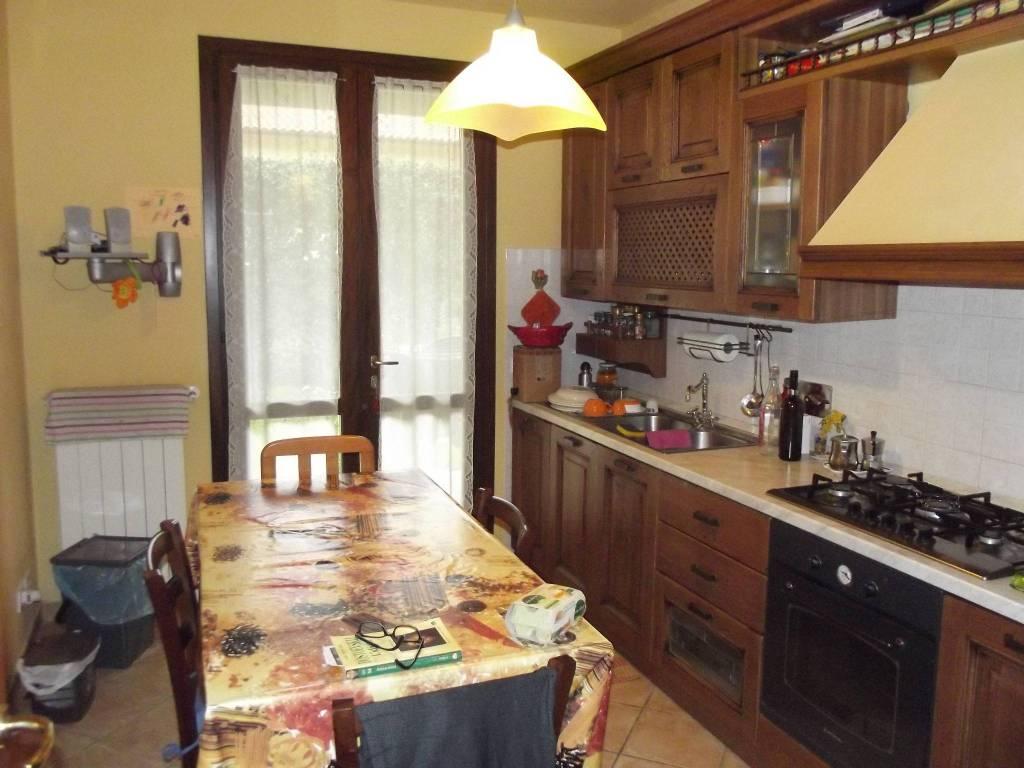 Casa indipendente in Vendita a Pontedera Periferia: 5 locali, 100 mq
