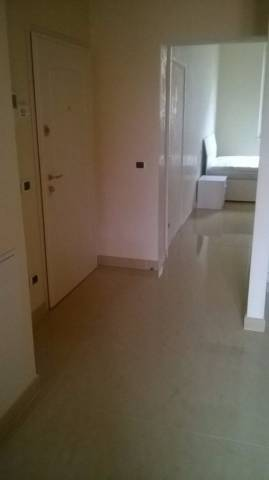 Appartamento in ottime condizioni arredato in affitto Rif. 6988886