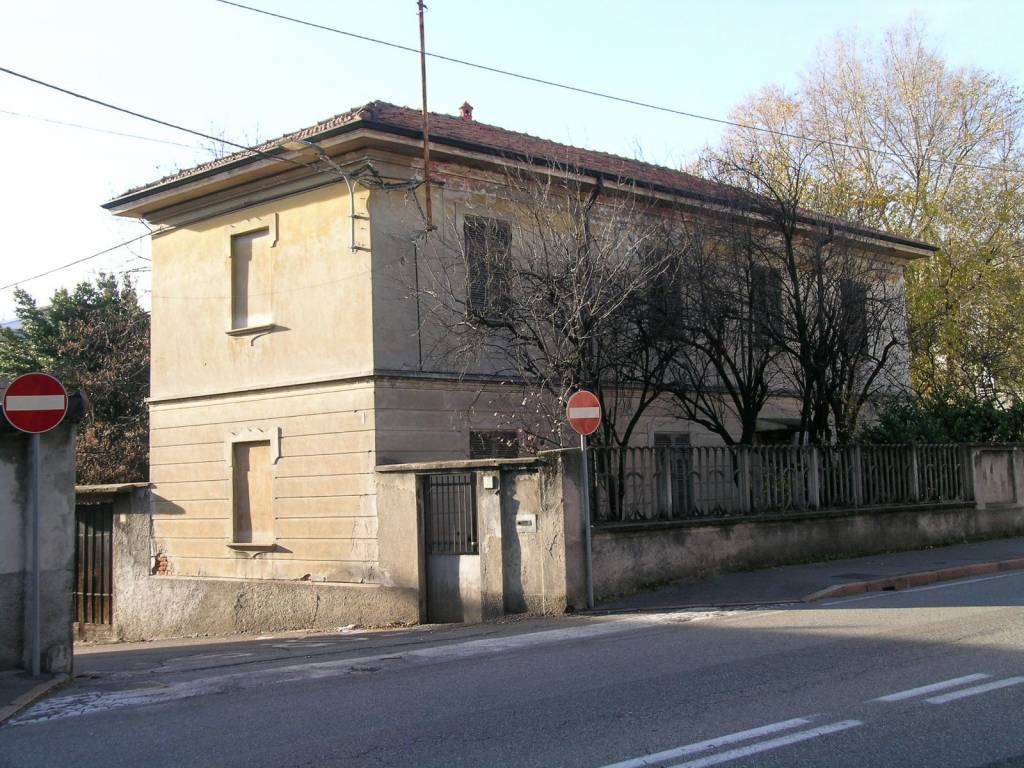 Casa Indipendente da ristrutturare in vendita Rif. 8716393