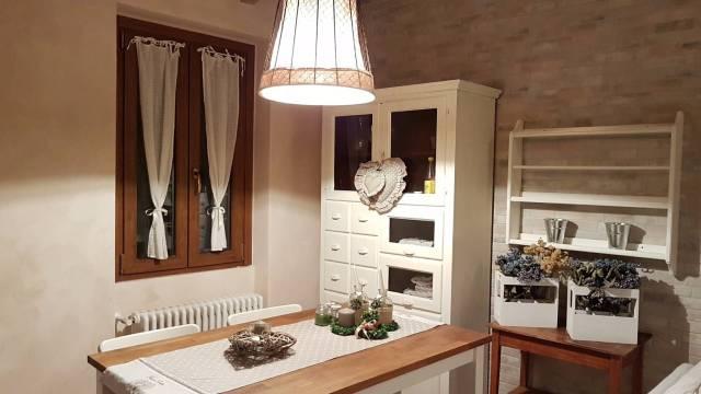 Appartamento in ottime condizioni arredato in vendita Rif. 4602234