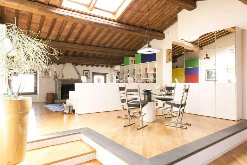 Appartamento in ottime condizioni in vendita Rif. 7566492