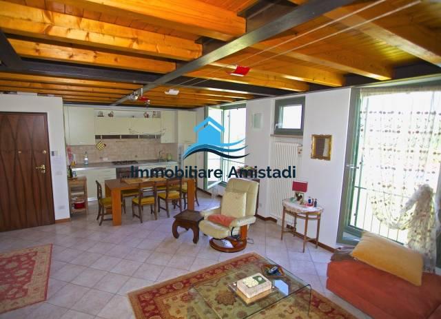 Appartamento in Elegante rustico con piscina Bardolino