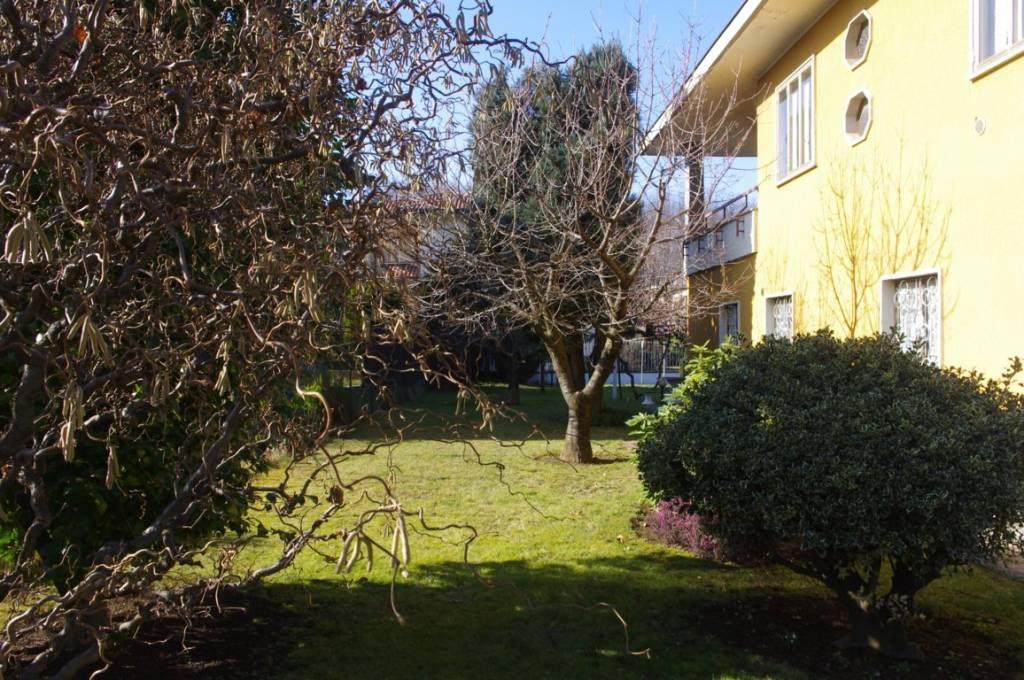 Villa in vendita a Cavaria con Premezzo, 7 locali, prezzo € 345.000 | PortaleAgenzieImmobiliari.it