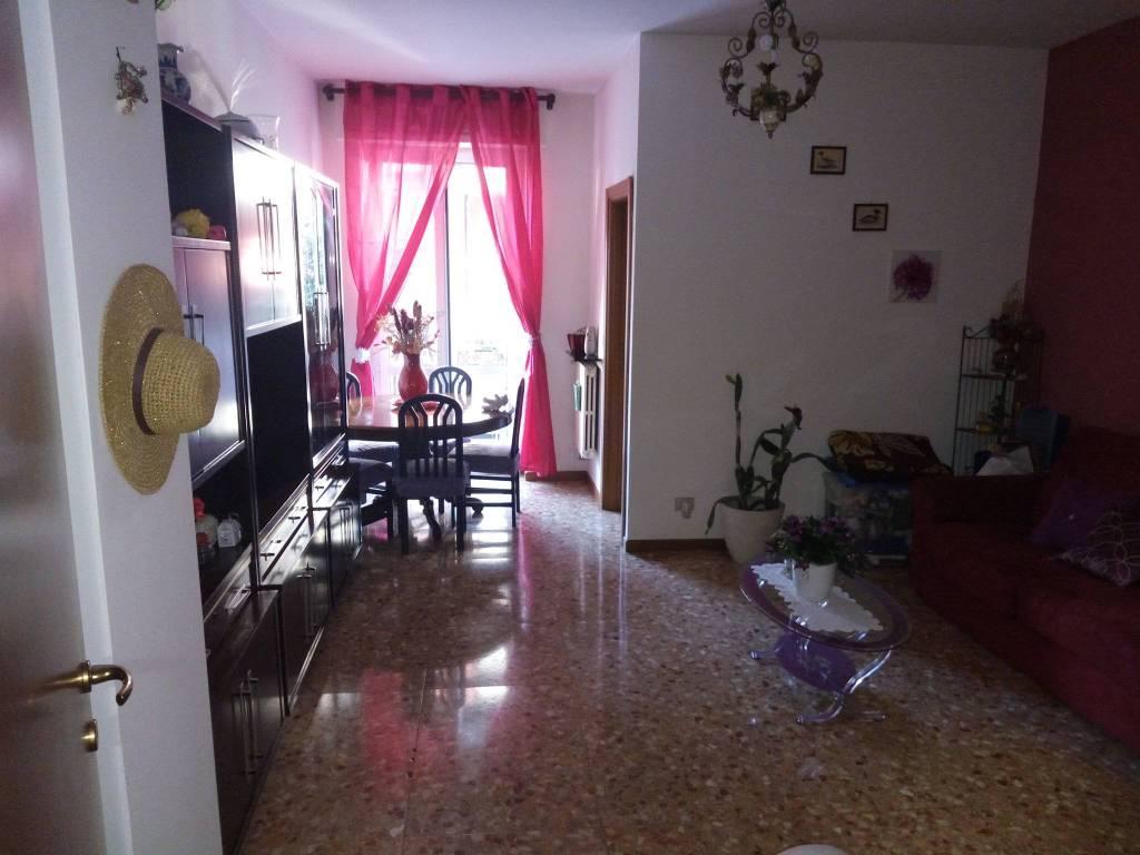 Appartamento in vendita a Bresso, 2 locali, prezzo € 120.000 | CambioCasa.it