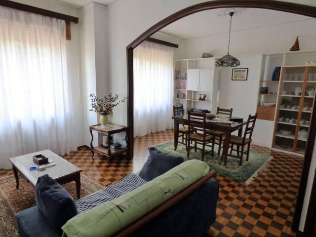 Cuneo centro ampio appartamento comodo al viale e ai portici