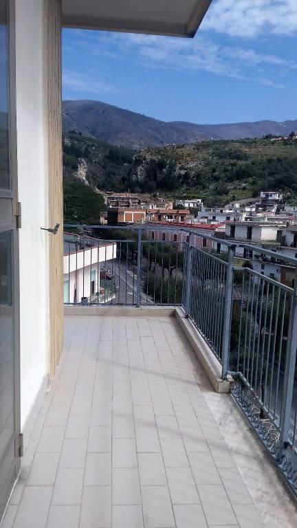 Appartamento in ottime condizioni in vendita Rif. 4301026