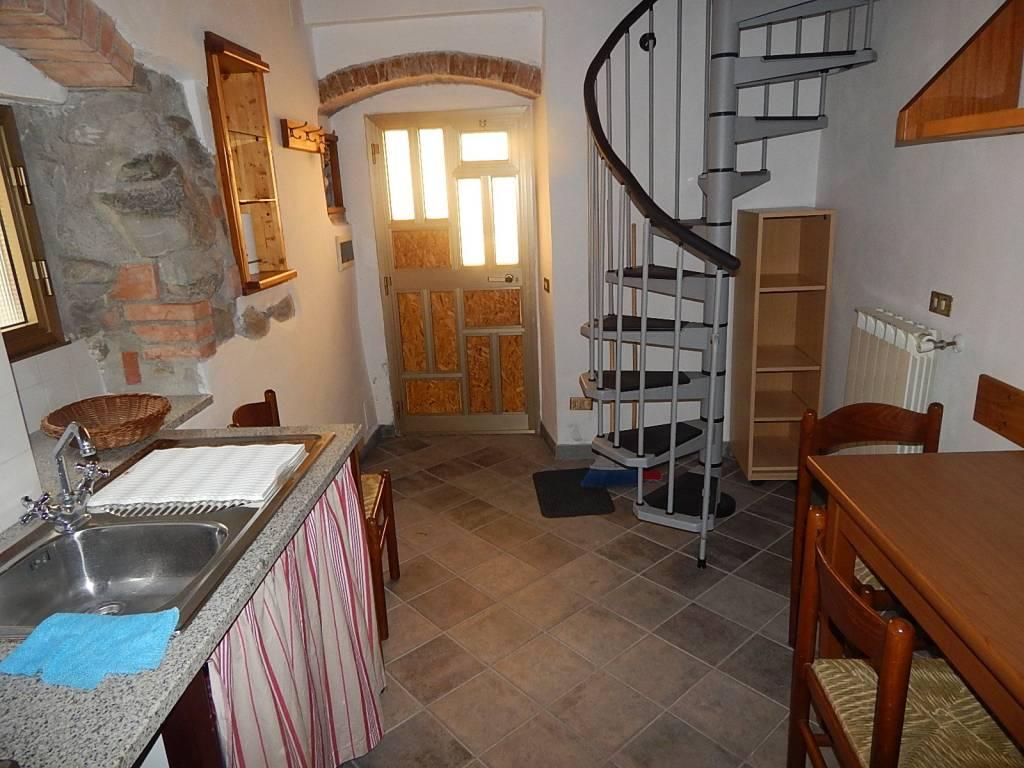 Appartamento in ottime condizioni arredato in vendita Rif. 9151372