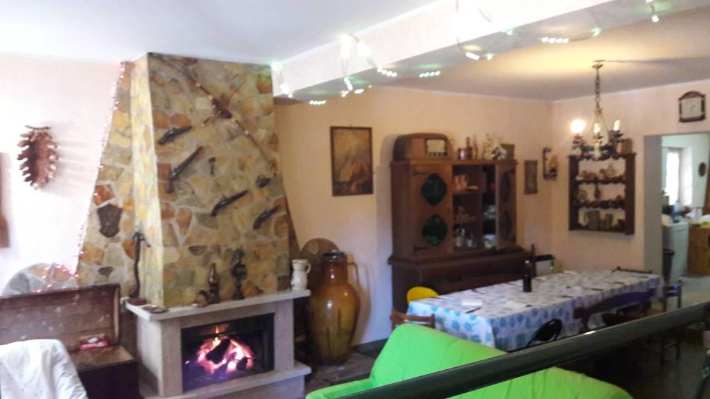 Villa 6 locali in vendita a Cotronei (KR)