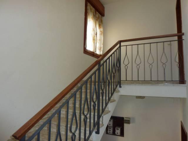 Appartamento in buone condizioni in vendita Rif. 4513859