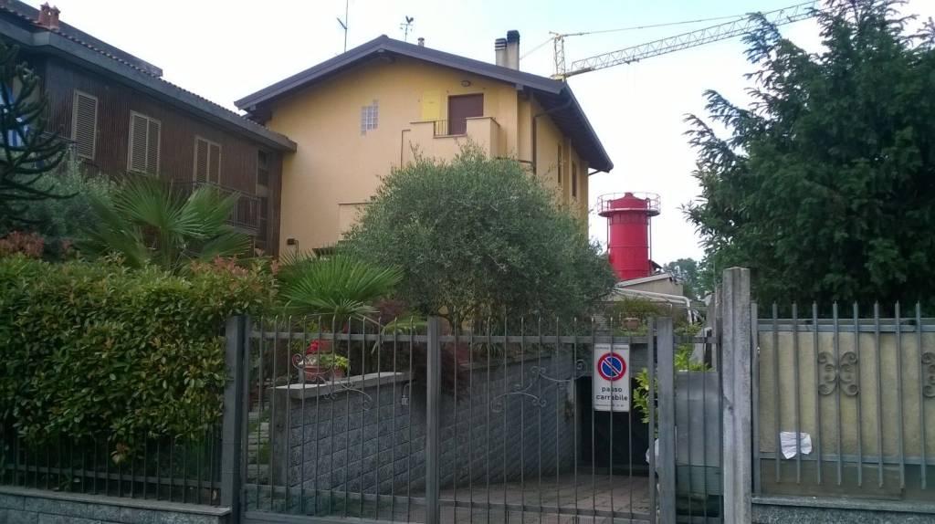 Appartamento in buone condizioni arredato in affitto Rif. 7678207