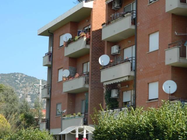 Appartamento in buone condizioni in vendita Rif. 4271986