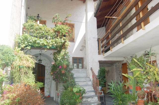 Appartamento in ottime condizioni in vendita Rif. 5245401