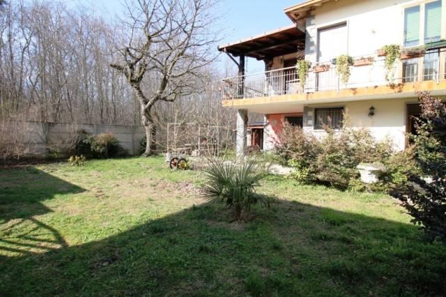 Villa in vendita a Samarate, 3 locali, prezzo € 260.000 | Cambio Casa.it