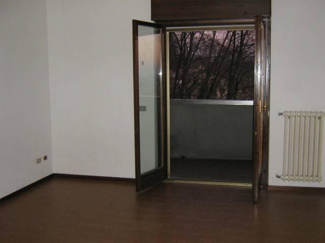 Appartamento in ottime condizioni parzialmente arredato in vendita Rif. 4250865