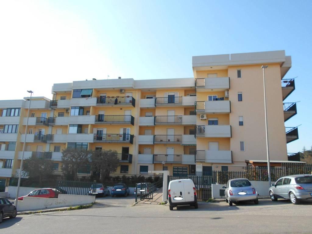 Appartamento in buone condizioni in vendita Rif. 4438975