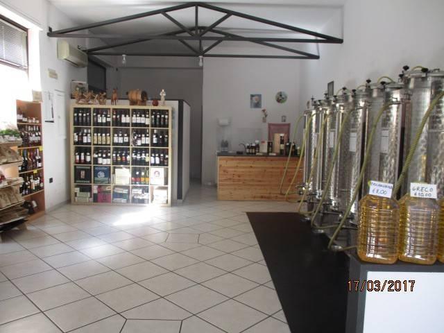 Attività / Licenza in vendita a Mercato San Severino, 1 locali, prezzo € 9.800 | CambioCasa.it