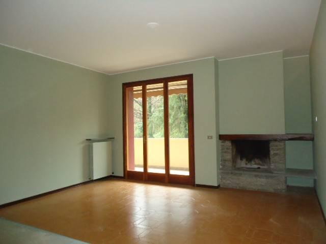 Appartamento in ottime condizioni parzialmente arredato in affitto Rif. 4559232