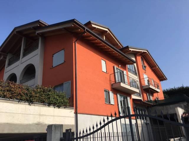 Appartamento in ottime condizioni parzialmente arredato in vendita Rif. 4335819