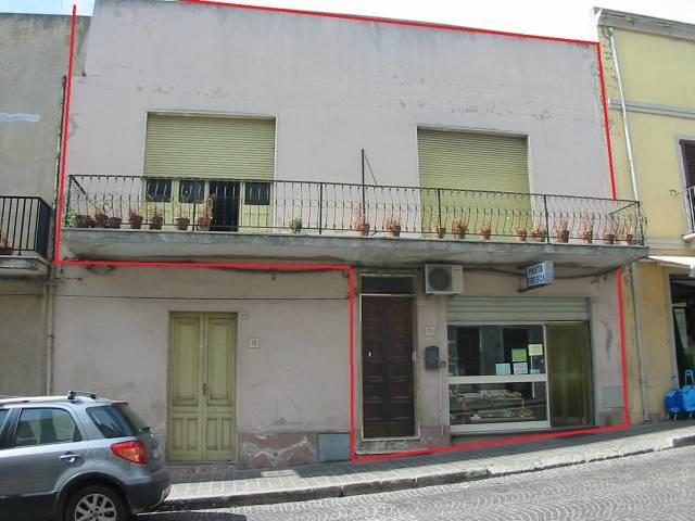 Casa Indipendente in buone condizioni arredato in vendita Rif. 4219307