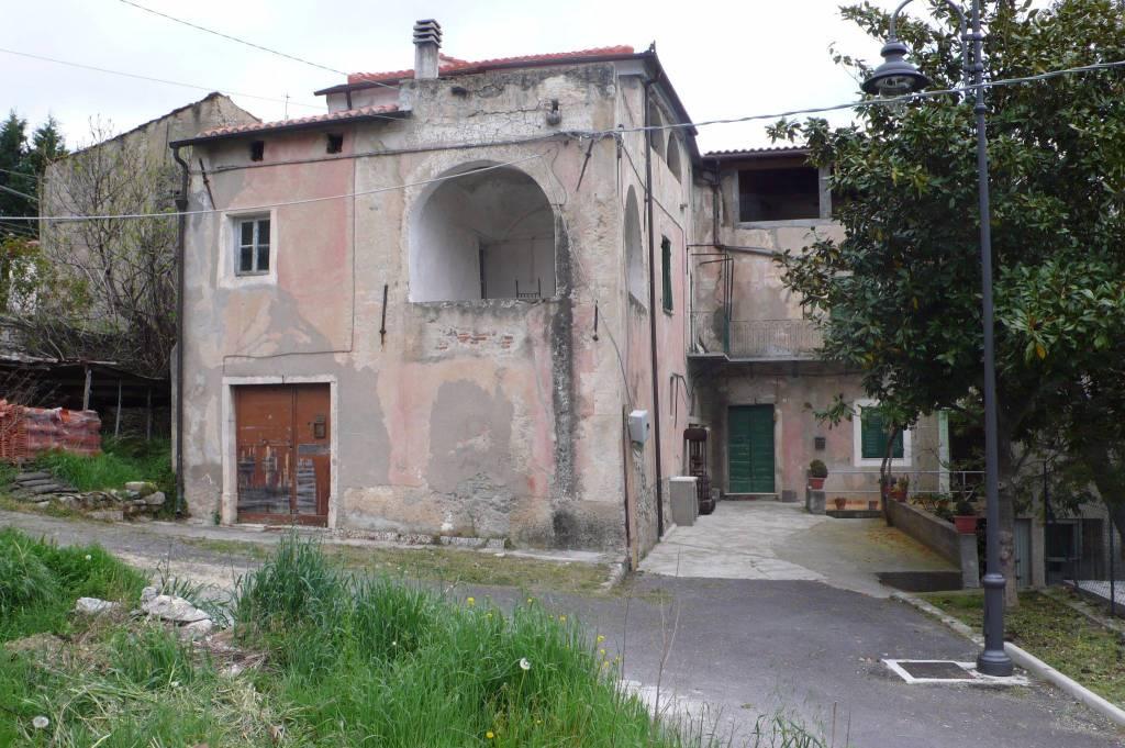 Foto 1 di Rustico / Casale via Bassi 50, frazione Feglino, Orco Feglino