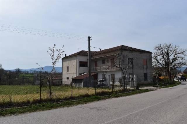 Appartamento in buone condizioni in vendita Rif. 4943057